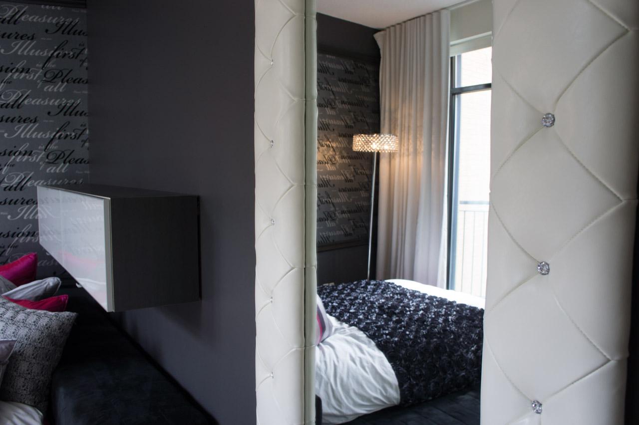 Une chambre romantique for Miroir miroir montreal