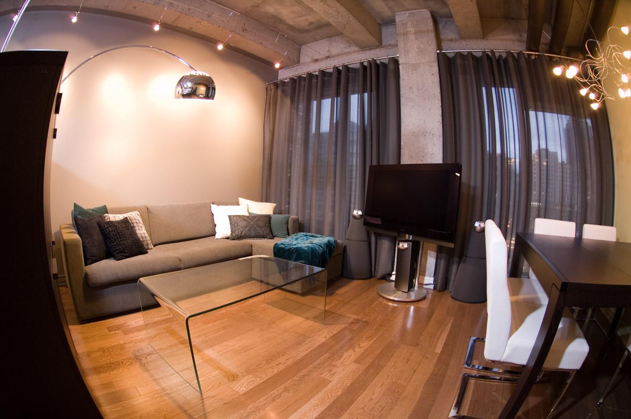 Un loft de 590 pour 4 personnes for Fenetre style loft