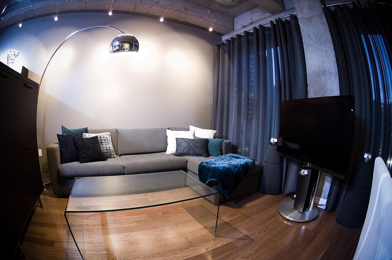 Un loft de 590 pour 4 personnes for Amenagement de bureau maison